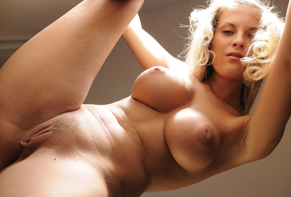 Marketa busty blonde nude