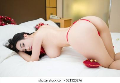Asian women big ass en bikini