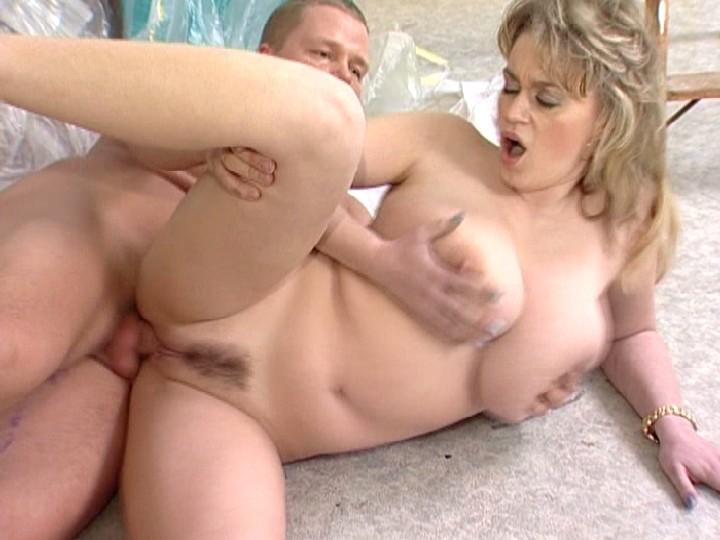 Big natural tits flopping