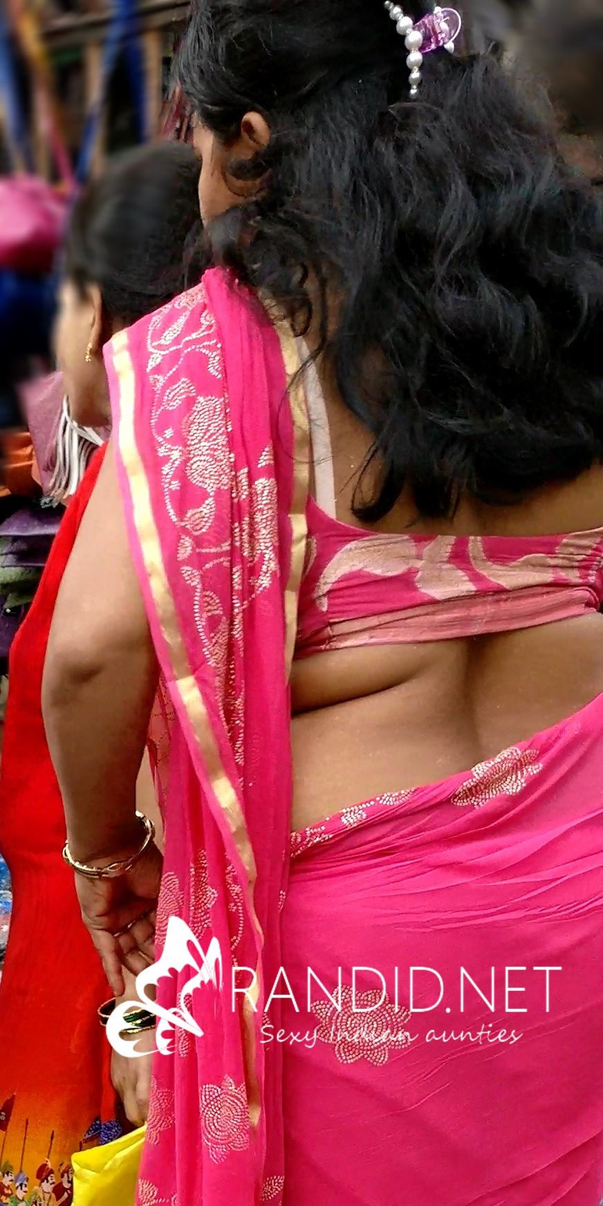 Desi sexy milf aunty in saree