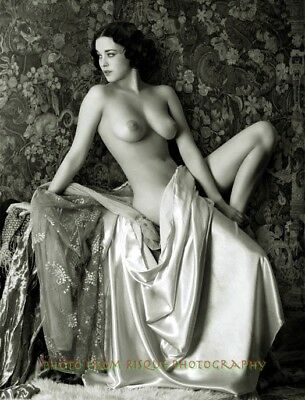 Vintage photos of nude womwn
