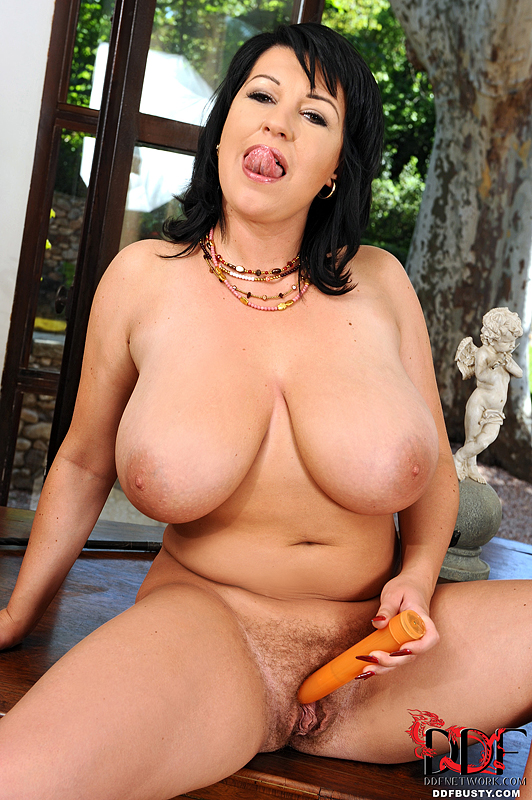 Big black breast ddfbusty african woman naked