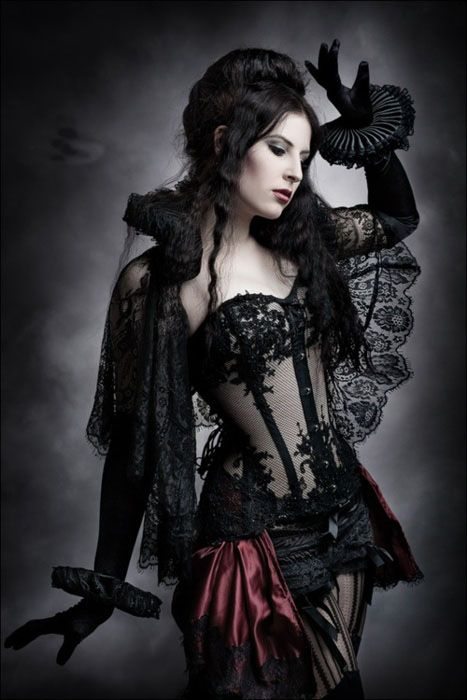 Sexy victorian gothic girl