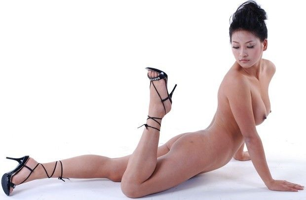Erotic chinese nude model