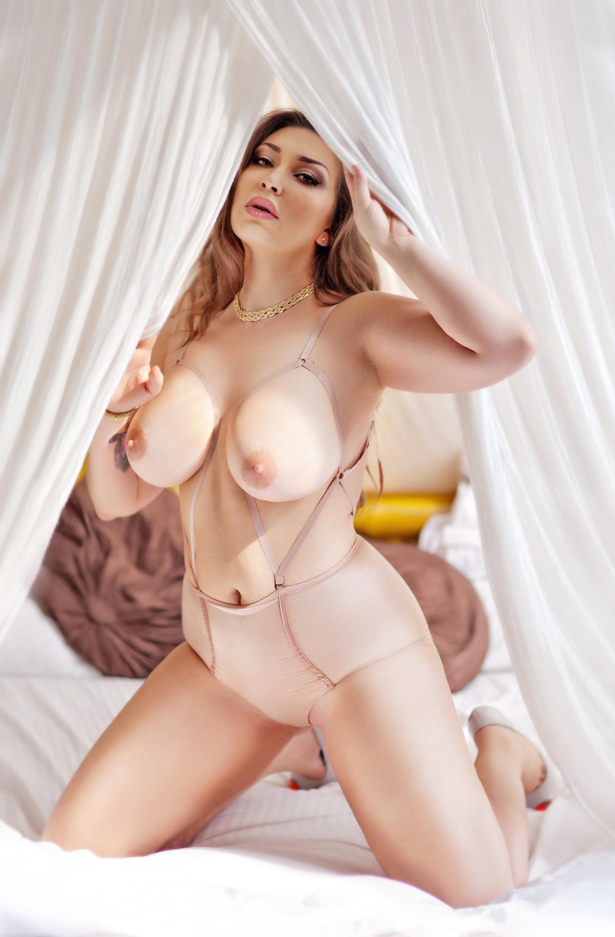 Ukrainian big boobs nude