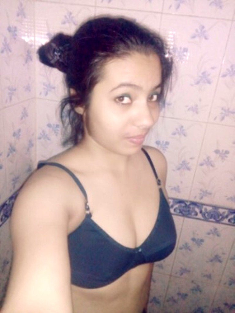 Hot sexy bhabi pics