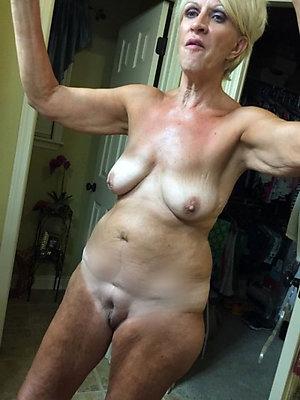 Cougar nude mature selfies