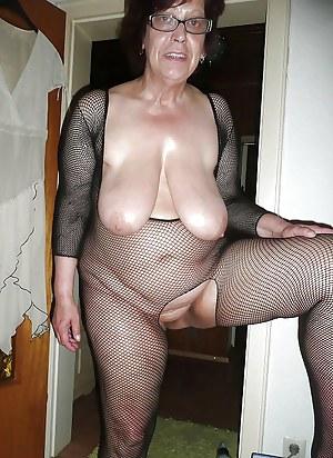Old granny big droopy tits pics