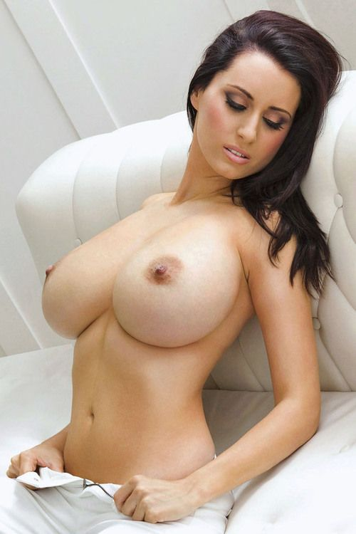 Naked allthrough with sexiest big bust