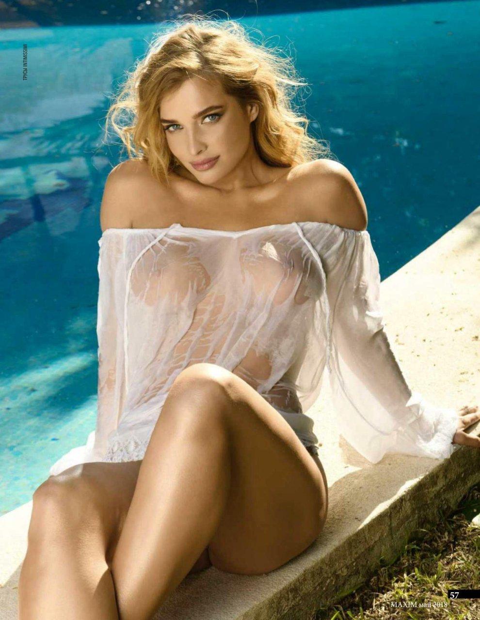 Lauren bacall. photo naked.