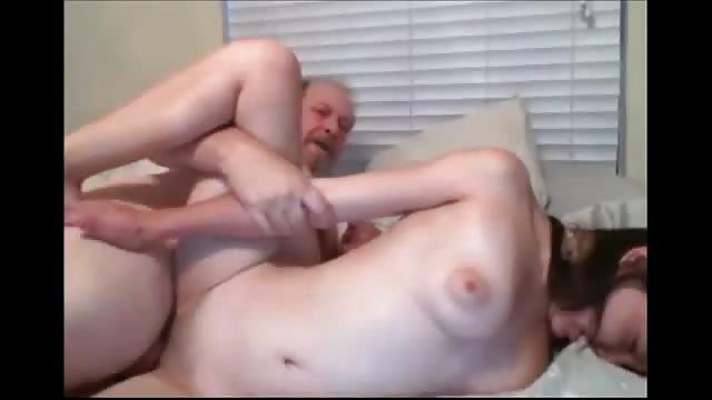 Baise fille pere un sa