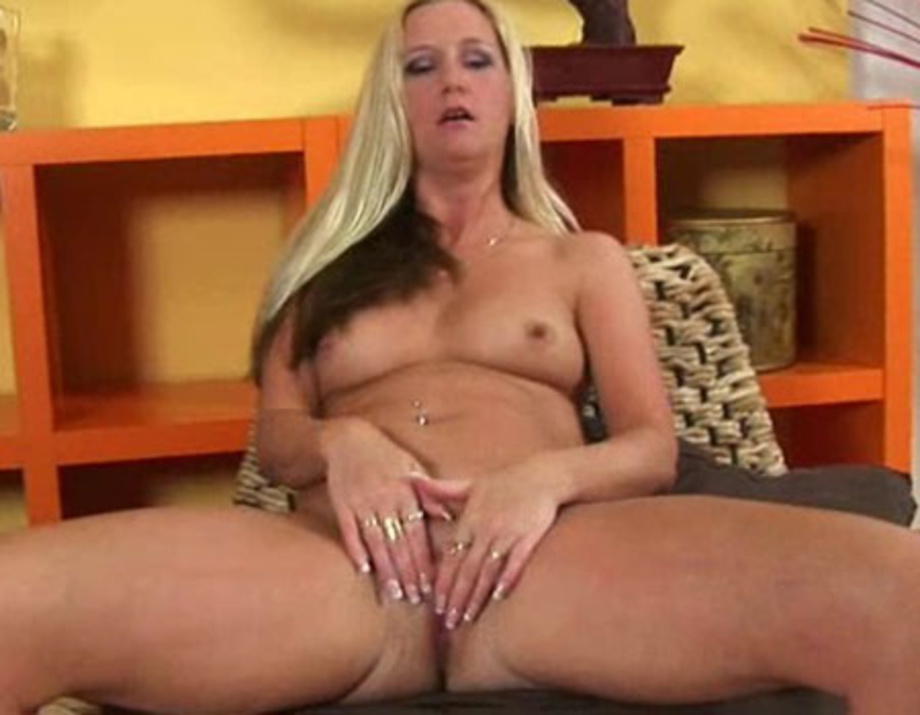 Free xxx masturbation porn thumbs