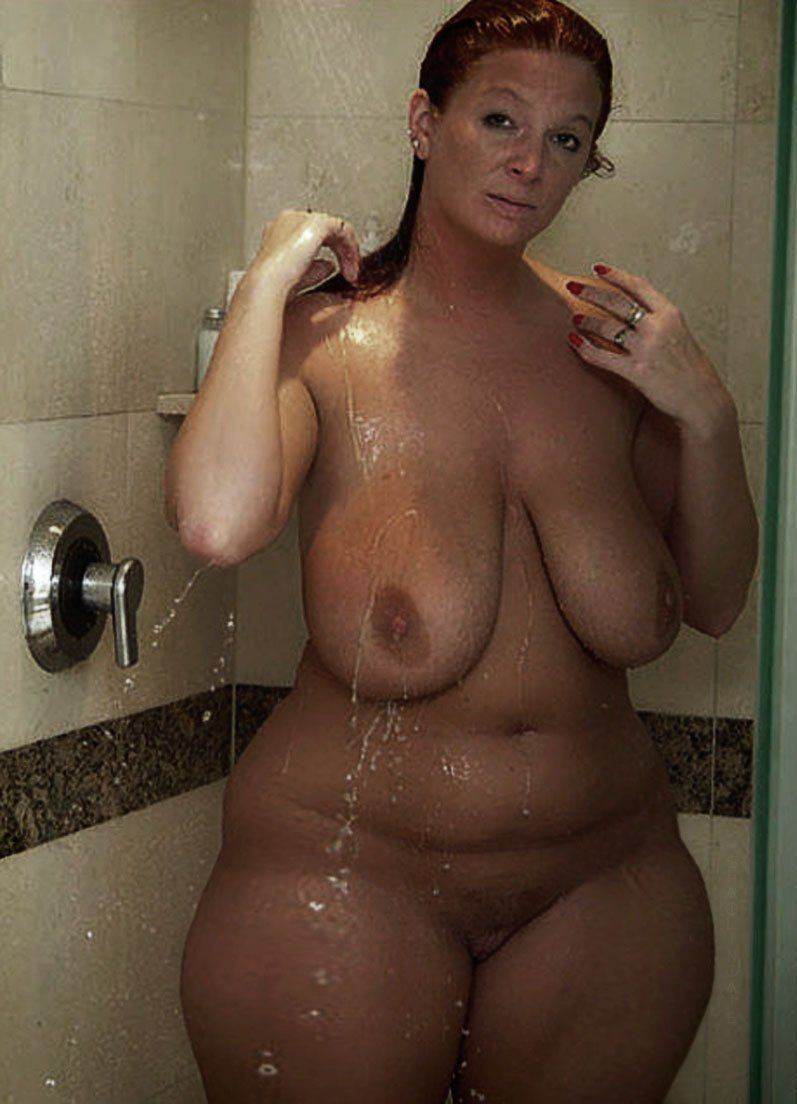 Big hips in nude