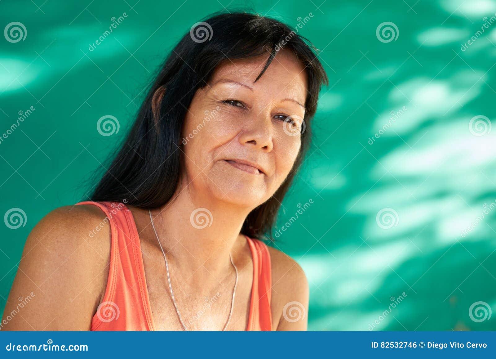 Latina mature pic