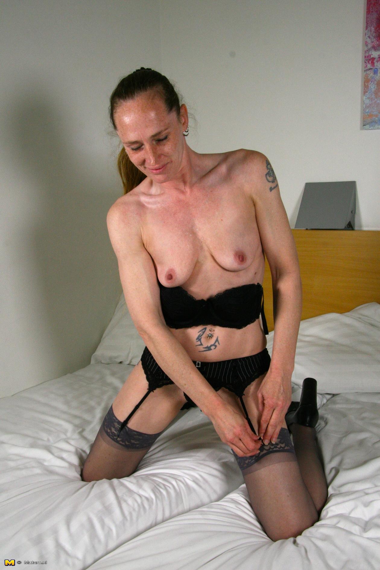 Dutch milf mature porn photo