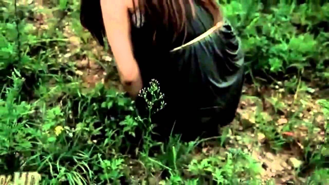 Young teen girl caught pissing