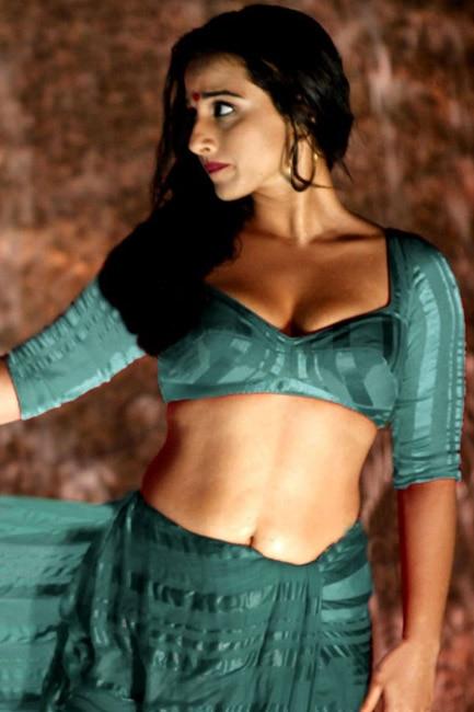 Vidya balan hot bra