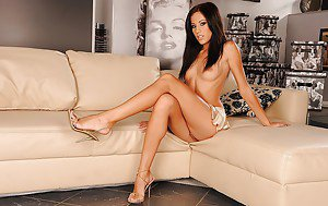 Beautiful brunette tammy sue mature housewife
