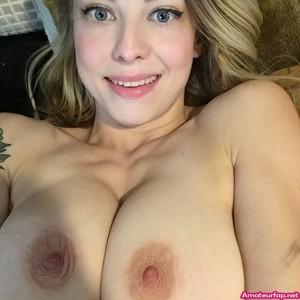 Blonde nude busty selfies