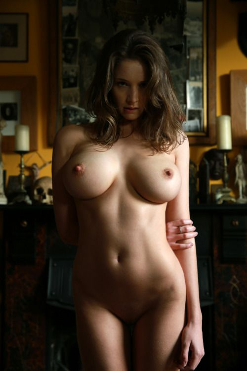 Nude girls with curves