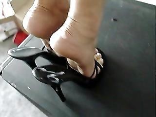 Cum on sexy feet heels