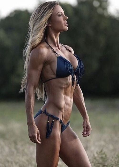 Fit girls with abs