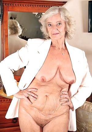 Granny saggy tits pics