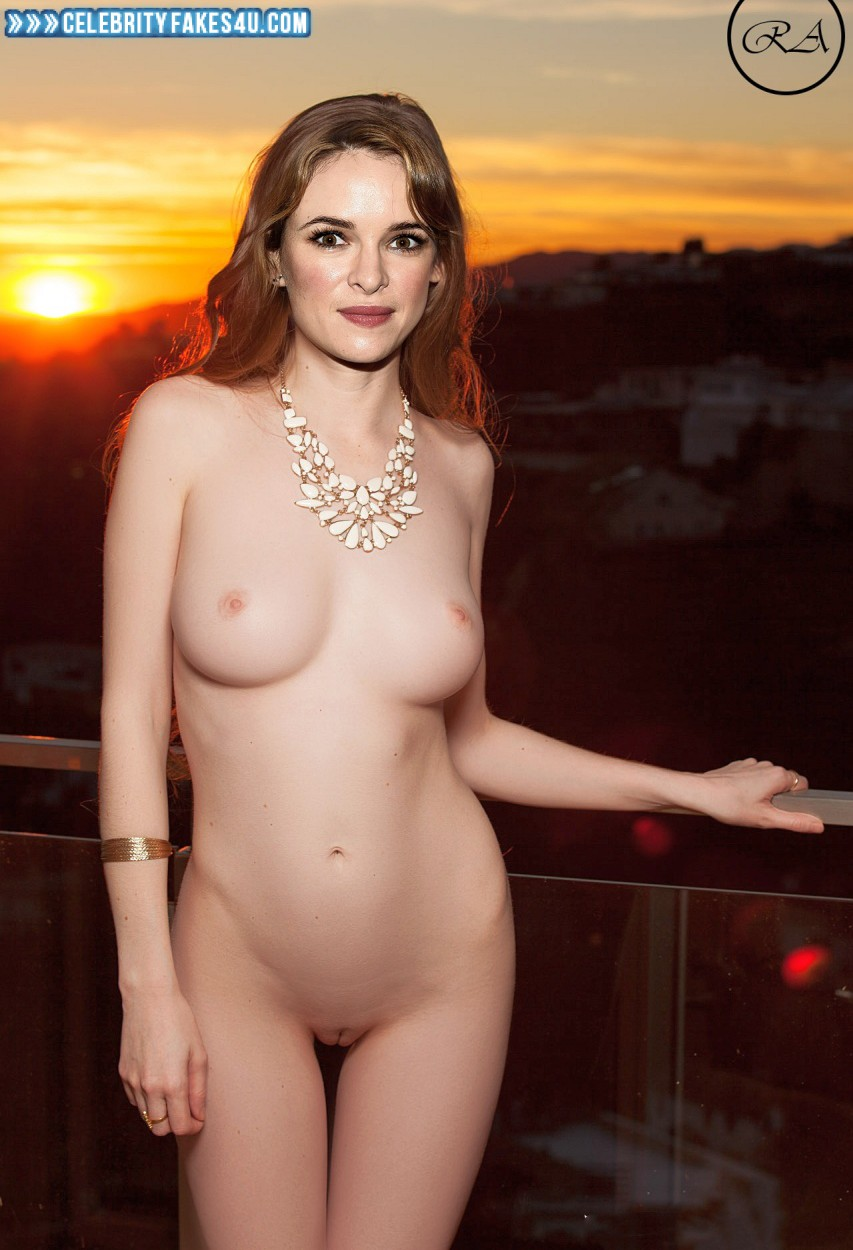 Fake desnuda danielle panabaker
