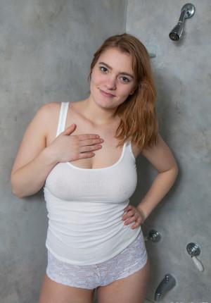 Big wet in shirt nude