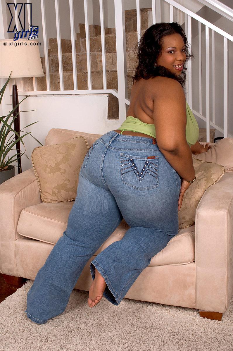Ebony bbw big tits and ass