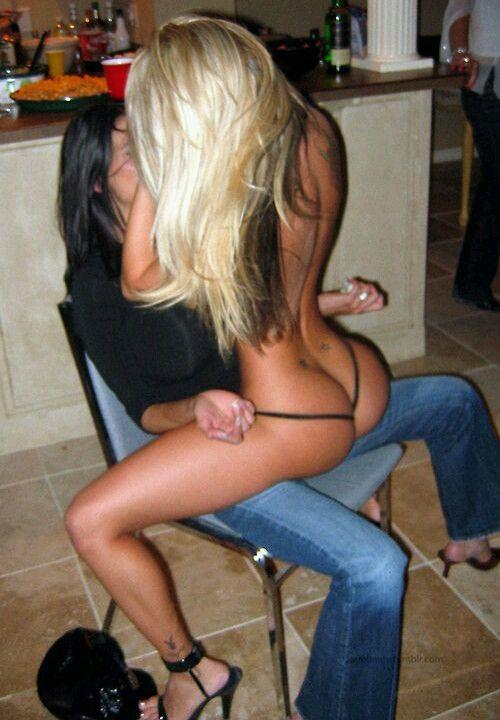 Lesbian lap dance xxx