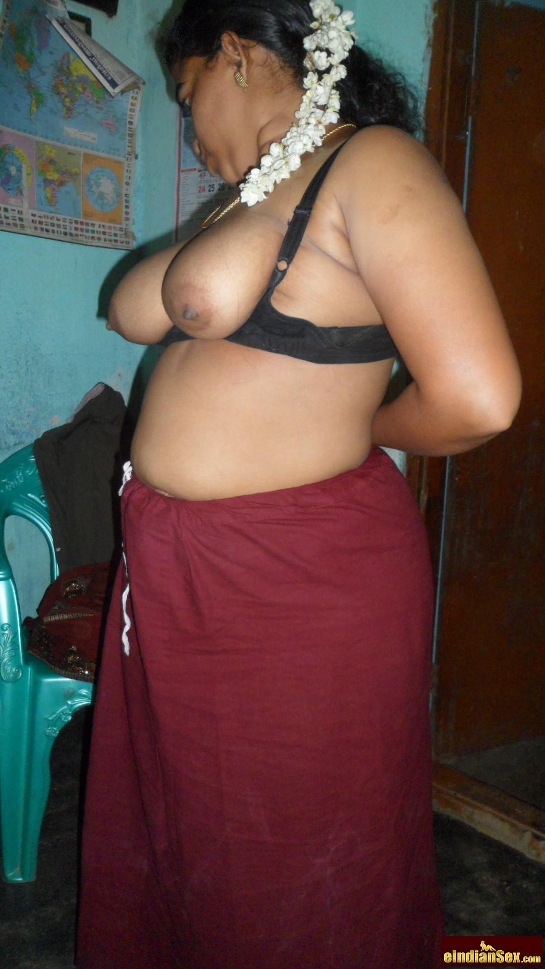 Aunty saree gap porn pictures