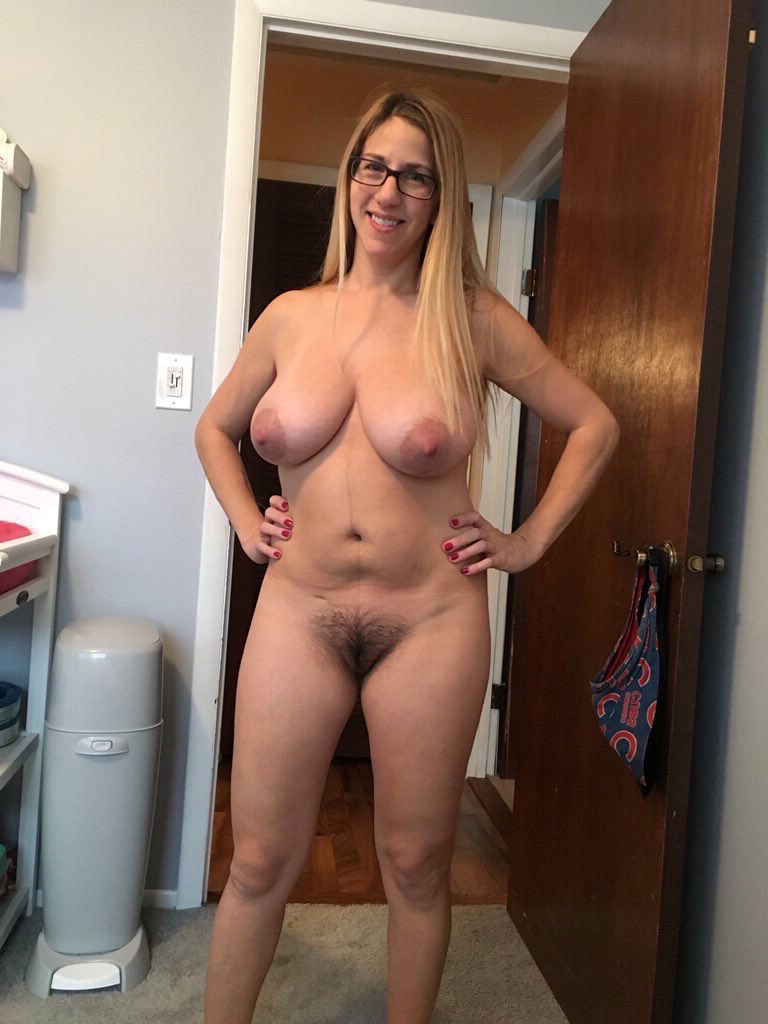Amateur milf naked pictures