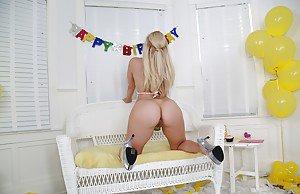 Big ass ebony anal