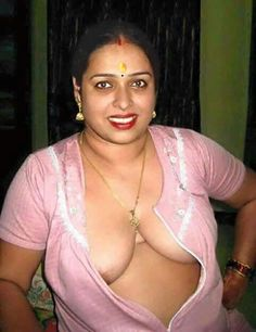 Nude pics of indian aunties
