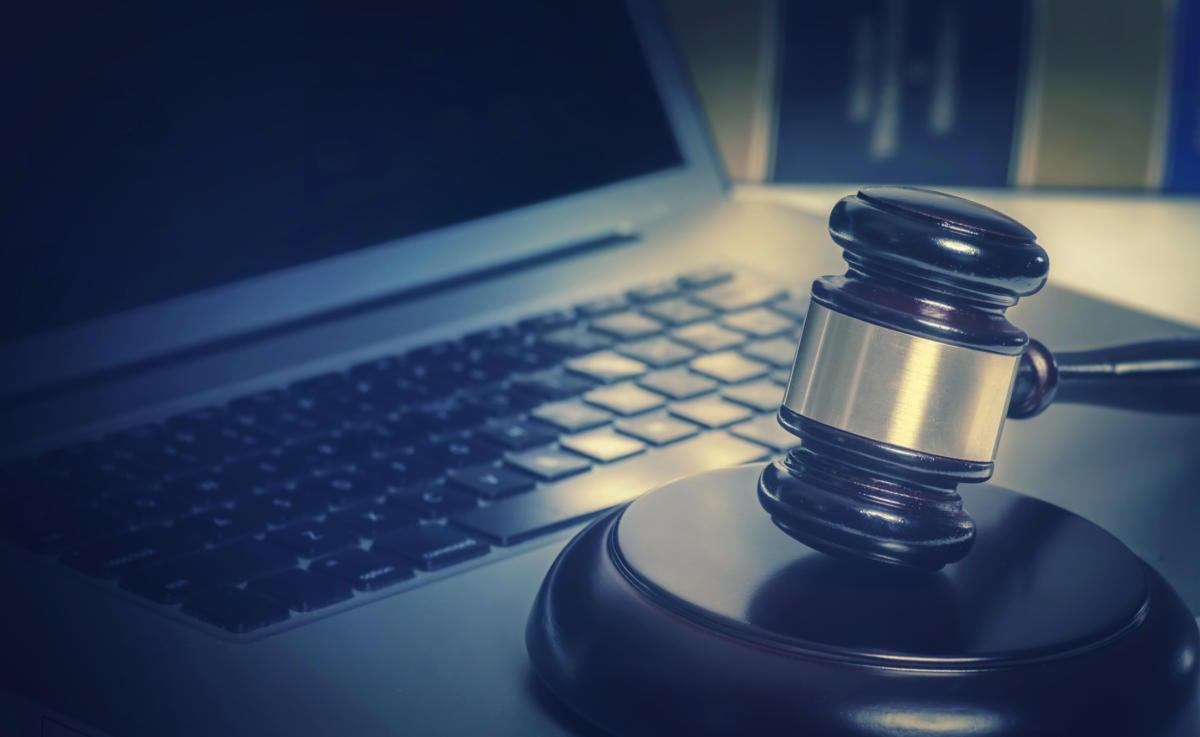 Are nudist websites legal
