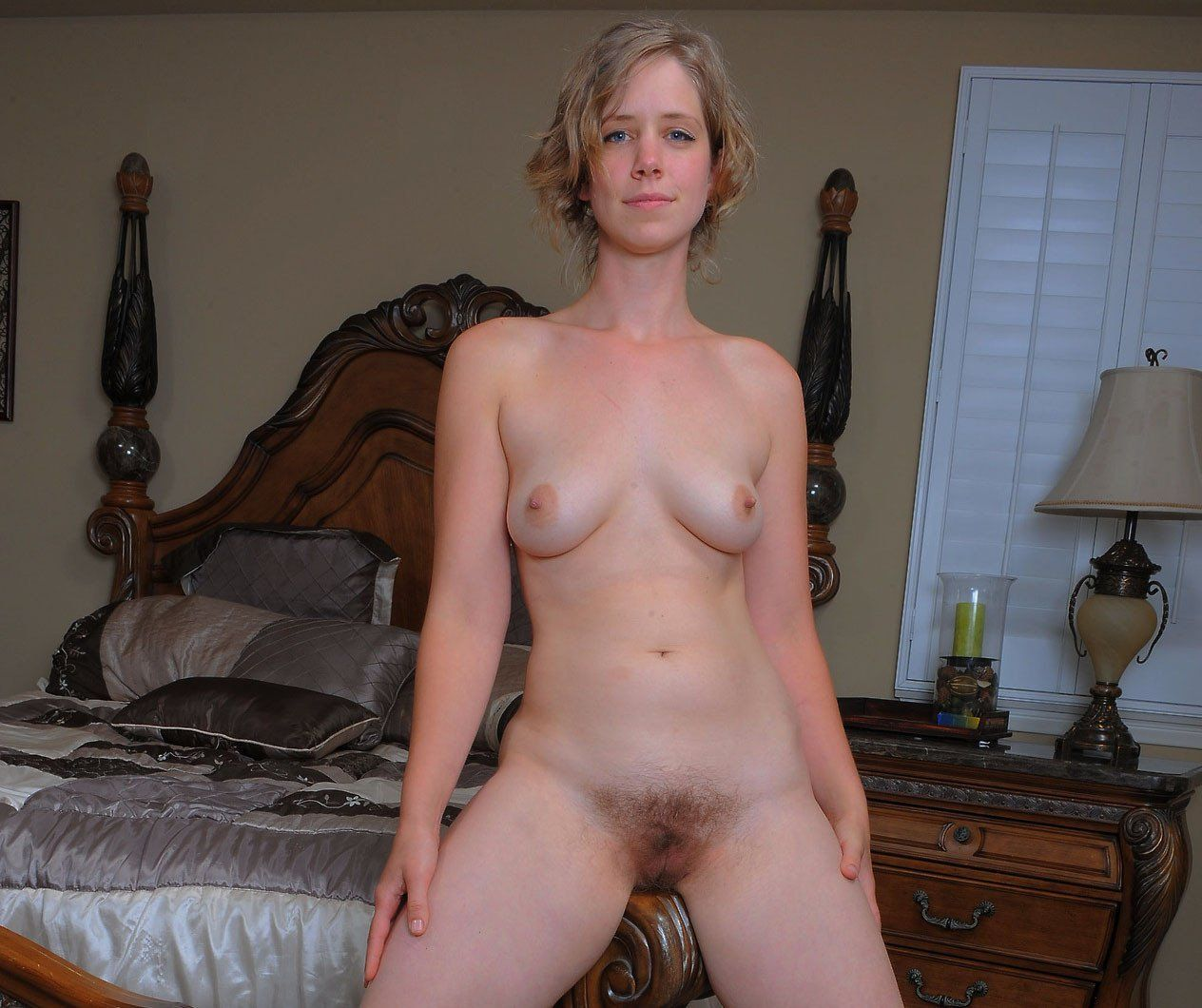 Wife poses album naked