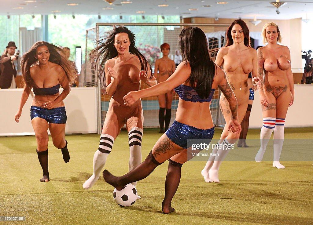 Naked women naked girls