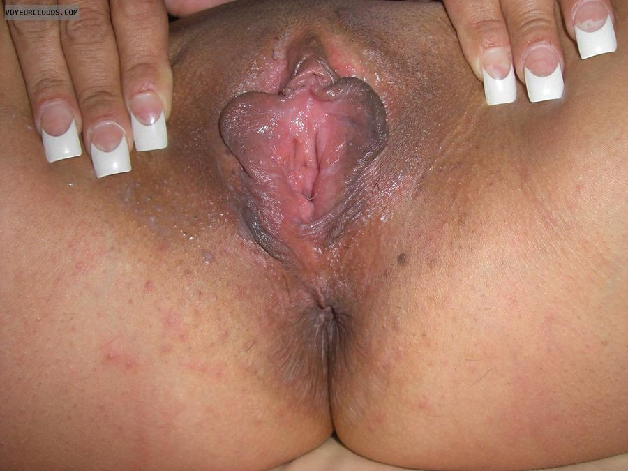 Laten pussy hole open close up