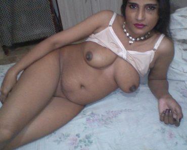 Hot desi nude auntie