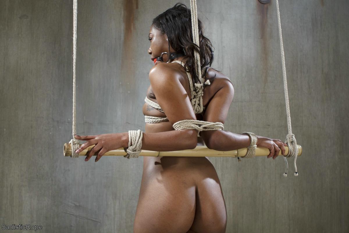 Nude ebony bondage