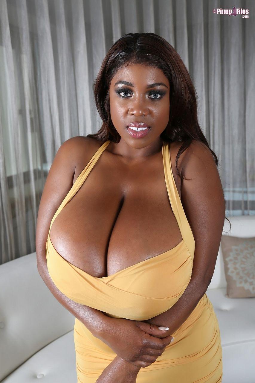 andrea savage sexy pics