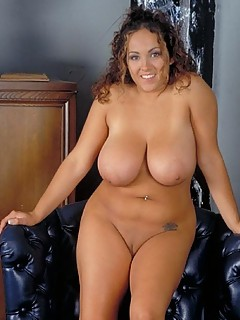 Chubby voluptuous nude women