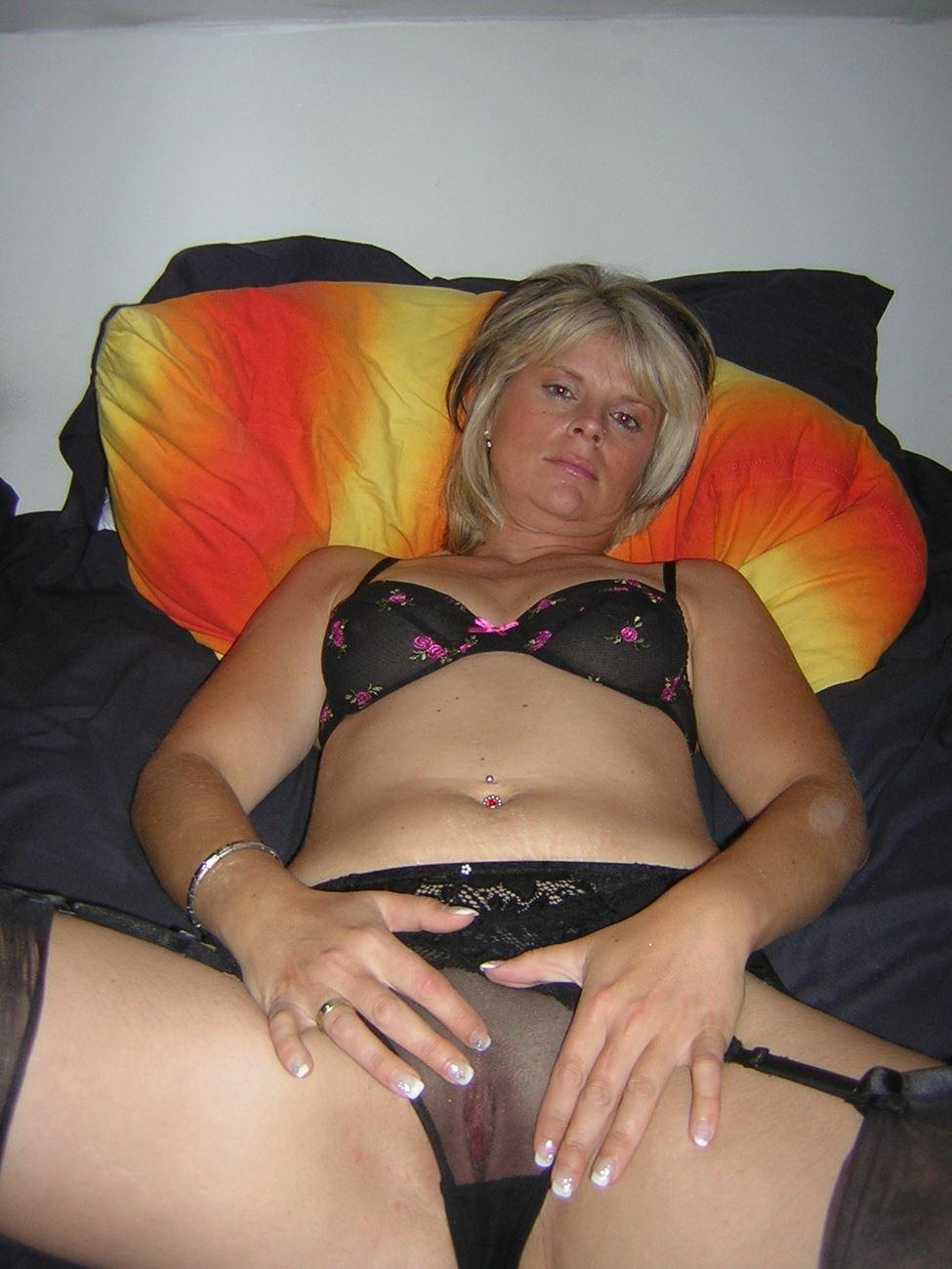 Mature amateur wives blowjobs