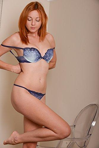 Redhead nude art model