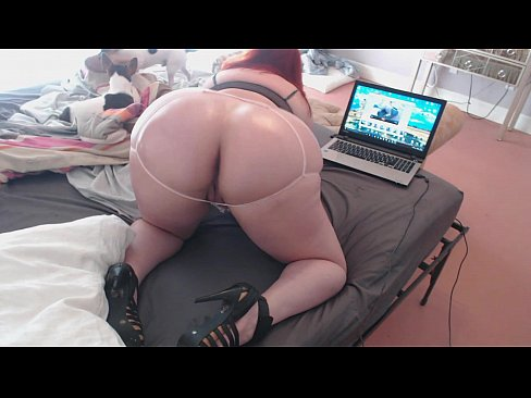 Naked big booty pawg