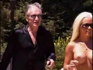 Kendra wilkinson sucks cock