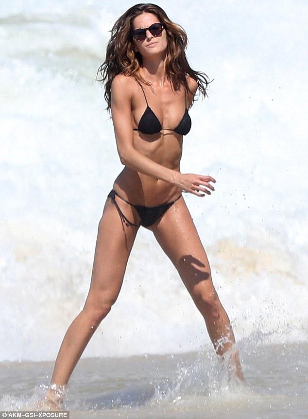 Supermodel nude izabel goulart