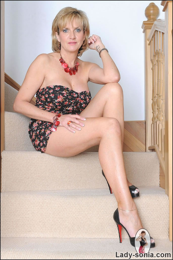 Mature blonde big tits high heels
