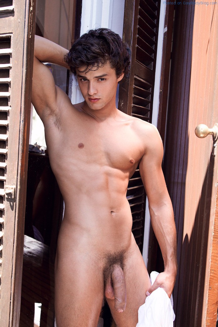 Hot nude famous men